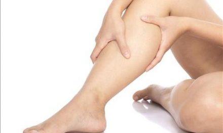 Les jambes lourdes : portez des bas de contention
