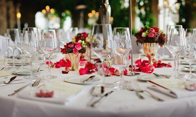 Quelle table d'honneur pour mariage choisir ?