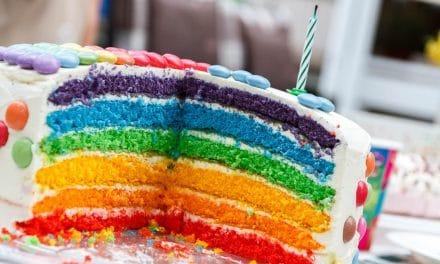 Où apprendre à faire une décoration de gâteau d'anniversaire pour fille ?